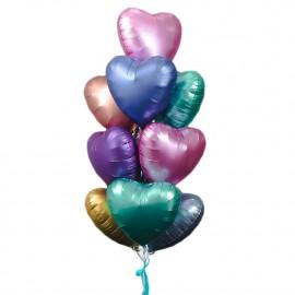Фонтан из разноцветных сатиновых сердец