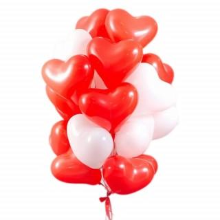 Фонтан из 20 красно-белых сердец