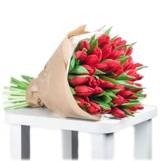 Букет из 49 красных тюльпанов