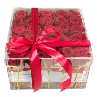"""Акриловый бокс с 25 розами """"Рэд Наоми"""""""