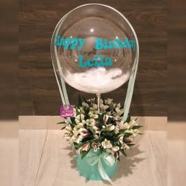 Коробка альстромерий с шаром Deco Bubble